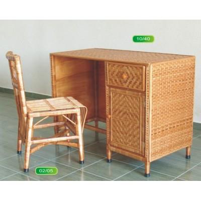 Бюро и детски стол от ракита