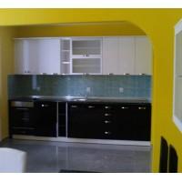 Кухня по индивидуален проект - акрилни плоскости