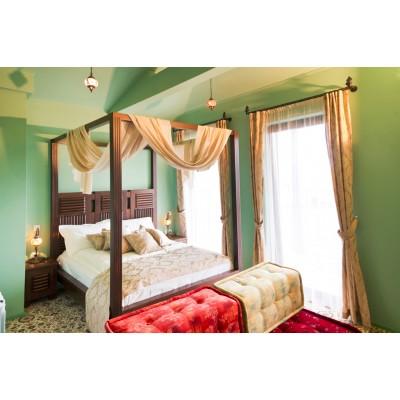 Спалня масив с балдахин Марта